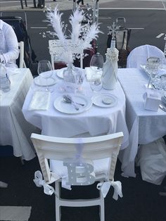 White Party Decorations, Table Decorations, White Table Settings, All White Party, 35th Birthday, Le Diner, Romantic Dinners, Dinner Sets, Grad Parties
