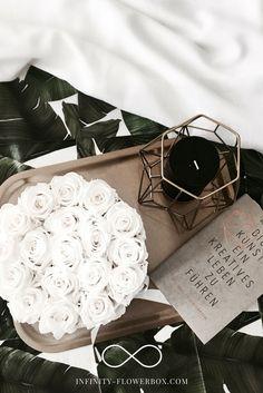 Stilvolle Blumendekoration für dein zu Hause - Die Rosen sehen auch jahrelang genauso frisch aus! Jetzt bei infinity-flowerbox.com vorbeischauen