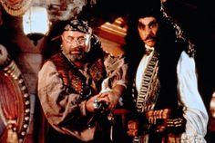 """Dustin Hoffman and Bob Hoskins in """"Hook"""" (1991)"""