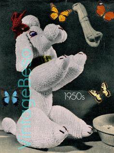Ehi, ho trovato questa fantastica inserzione di Etsy su https://www.etsy.com/it/listing/274332932/paulette-poodle-knitting-pattern-50s
