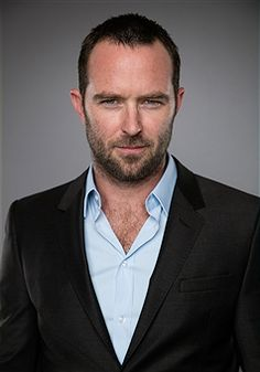 sullivan stapleton married