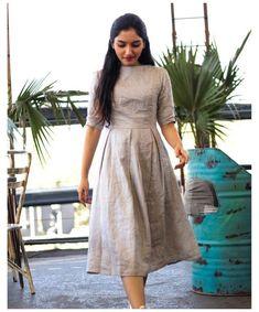 Stylish Dresses For Girls, Frocks For Girls, Stylish Dress Designs, Designs For Dresses, Dress Indian Style, Indian Fashion Dresses, Indian Designer Outfits, Indian Wear, Frock Dress