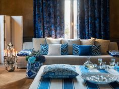 Royal blue home ideas. Royal blue curtains, blue pillows with patterns, textiles designed by Manuel Canovas, VAN VUGHT Interiors, your designer in Berlin Diy Home Decor, Room Decor, Bleu Royal, Royal Blue, Blue Curtains, Bedroom Curtains, Elle Decor, Beautiful Interiors, Luxury Living
