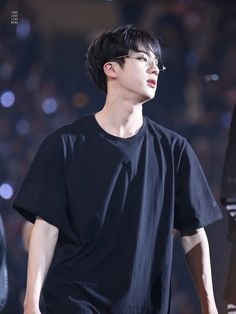 Jin bias-wrecks me the most when he's in a t-shirt and/or glasses. And also if I look at any of his photoshoots Bts Jin, Jimin, Jungkook Jeon, Kim Namjoon, Kim Taehyung, Bts Bangtan Boy, Foto Bts, Bts Photo, Seokjin
