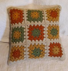 Crochet Decorative Pillow 18 x 18 in Crochet Motif Patterns, Crochet Pillow Pattern, Crochet Quilt, Crochet Blocks, Granny Square Crochet Pattern, Crochet Squares, Knitting Patterns, Crochet Cushion Cover, Crochet Cushions