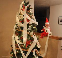 Papá convierte a su bebé en duende de Navidad (Fotos) | Blog de BabyCenter