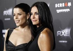 """MTV eyes TV series based on """"Scream"""" film franchise and is in negotiations with  the film franchise director Wes Craven to direct the pilot. Neve Campbell and Courteney Cox  pose at the """"Scream 4"""" movie premiere in Hollywood, California"""
