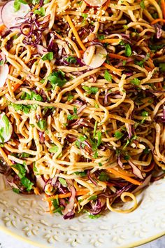 Cold Asian noodle salad with red cabbage, carrots, radishes in spicy peanut dressing. Oriental Noodles, Asian Noodles, Asian Cold Noodle Salad, Thai Noodle Salad, Vegetarian Recipes, Cooking Recipes, Healthy Recipes, Vegetarian Salad, Healthy Meals