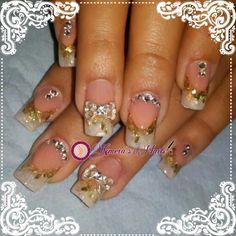 Diseño de salón      #Nails #uñas #nailspretty #nailsdesign #acrílico #acrylicnails #uñasbellas #uñashermosas #uñasguapas #guapuras #diseño #kimerasnails #glitter #acrilicodecolor #sculpturenails #nude #silk