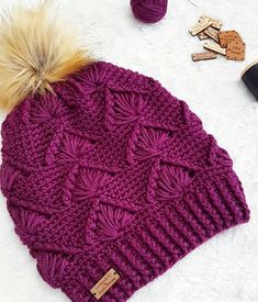 Diy Crafts - bhooked-This stitch pattern is ahh-mazing stitchtherapy_ 😍 I seriously need this in my life! It's finally fanfriday guys 🙌 Use bhook Crochet Hat For Women, Crochet Kids Hats, Crochet Girls, Crochet Scarves, Crochet Clothes, Bonnet Crochet, Crochet Headband Pattern, Crochet Beanie Hat, Knitted Hats