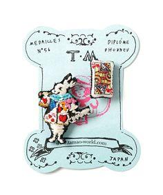【ZOZOTOWN】tamao(タマオ)のブローチ/コサージュ「刺繍ミニブローチ1(猫と秋刀魚/こけしとマトリョーシカ/口紅と唇/ラッパを吹くウサギとトランプ)」(MBC1262/MBC1518/MBC1462/MBC1852)を購入できます。