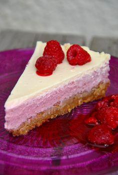 Halloncheesecake – Loulas Kök- God mat helt enkelt Baking Recipes, Cake Recipes, Grandma Cookies, Bakery Cakes, Cream Cake, Cake Cookies, Food Inspiration, God Mat, Cheesecake
