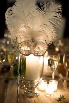 Decoracion de centro de mesa para una fiesta de mascarada. #FiestaDe15