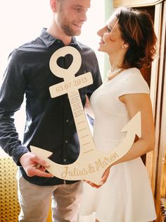 This original and unique anchor for couples in love is the perfect gift . This original and unique anchor for couples in love is the perfect gift for your loved one. Nautical Baby, Nautical Wedding, Wedding Shoot, Wedding Couples, Wedding Fun, Blue Gold Wedding, Wedding Cards, Wedding Favors, Best Wedding Gifts