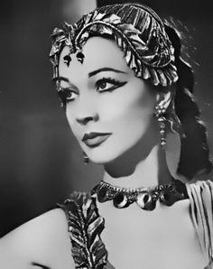 1951 Vivien Leigh as Cleopatra