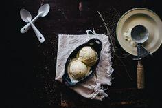 Sweet Corn and Black Pepper Ice Cream- veganize Easy Ice Cream Recipe, Homemade Ice Cream, Ice Cream Recipes, Frozen Desserts, Frozen Treats, Granitas, Popsicle Recipes, Food Places, Sweet Corn
