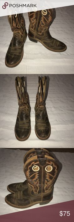 Ariat weathered leather cowboy boots Men's 7.5 B Weathered leather cowboy boots that are in excellent used condition. They do have a few scuffs (see pics). The heels/sole have some wear too but are still useable as is. (See the pic). These are a men's size 7.5 but they are a universal boot so can be a women's size 9.5. Perfect for fall Ariat Shoes Boots