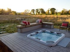 Awesome Home Jacuzzi Hot Tubs Design Ideas. Delightful Design Jacuzzi Hot Tub comes with Square Shape White Hot Tub and L Shape Bench Outdoor Tub, Outdoor Spaces, Outdoor Living, Outdoor Ideas, Whirlpool Jacuzzi, Modern Hot Tubs, Family Room Colors, Balcony Railing Design, Deck Design