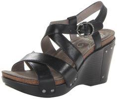 4f80e6e548b2d8 Amazon.com  Dansko Women s Frida Wedge Sandal  Shoes for comfortable travel heels  Black