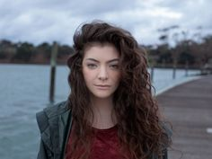 This is Lorde, apparently, but the point is that I want her hair! Long messy curls that actually look good? I'm in!