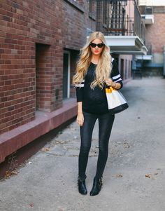 Black and white casual maternity style