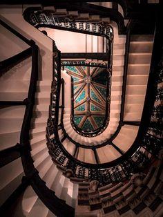 © Chrissa Stamatopoulou / Architextures Ξάπλωσε στο έδαφος και κοίτα τον ουρανό! (St. Pancras Renaissance Hotel)