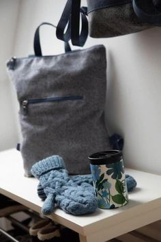 Rucksack: Rucksack aus österreichischem Loden, 100% Merinowolle und mit Details aus Leder. Ein alltäglicher Begleiter. Passend zum modernen Outfit und zu Tracht und Dirndl. Auch Kinderrucksack ----- Bagpack made from Austrian loden, 100% merinowool and dirndl cotton, details from leather. Rucksack, suitable for business and leisure. Fitting for modern outfit and traditional clothes like a Dirndl. Bagpack for children. #bagpack #sustainablefashion #rucksack Moderne Outfits, Clutch, Shopper, Babys, Christmas Gifts, Backpacks, Gift Ideas, Fashion, Gifts For Women