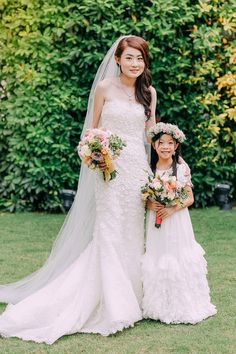 Flower girl with floral crown and colorful bouquet // Wedding on the Lawn at W Singapore: Han Wei + Sylvia