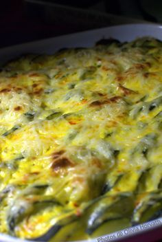 Le gratin de courgettes fa on Georges Blanc chefbeau Veg Recipes, Light Recipes, Cooking Recipes, Healthy Recipes, Raclette Vegan, Chefs, Winter Food, Macaroni And Cheese, Food Porn