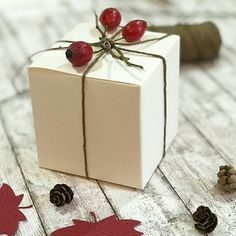 Caixa de presente com enfeite de frutas @derschachtelshop