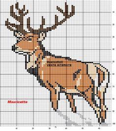 Rena n1 Cross Stitch Heart, Beaded Cross Stitch, Cross Stitch Animals, Crochet Deer, Crochet Cross, Melty Bead Patterns, Cross Stitch Patterns, Hunting Crafts, Cross Stitch Pictures
