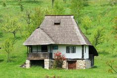 Traditional rural Romanian house in Oltenia, Romania This Old House, Tiny House, Visit Romania, Romania Travel, Rural House, Little Houses, Traditional House, Design Case, Old Houses
