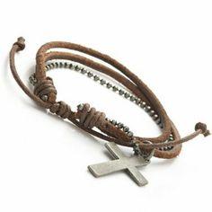 R&B Bijoux - Bracelet Homme - Style Hellboy - Cordons Perles & Croix Metal Argenté - Manchette Cuir & Metal (Marron). 13,90€