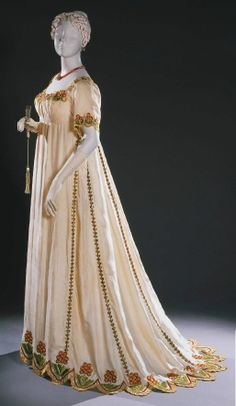regency gowns | Embroidered Regency evening gown with train | Regency Dresses