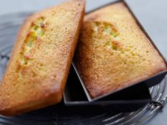 Financier Rapide Food Cakes, Flan, Cornbread, Coco, Biscuits, Banana Bread, Cake Recipes, Brunch, Food And Drink