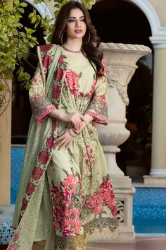 Gul Ahmed Luxury Festive Collection 2017 Price in Pakistan famous brand online shopping, luxury embroidered suit now in buy online & shipping wide nation. Beautiful Pakistani Dresses, Pakistani Dresses Casual, Pakistani Dress Design, Indian Dresses, Indian Outfits, Beautiful Dresses, Eid Outfits Pakistani, Stylish Dress Designs, Stylish Dresses
