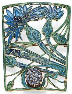 Lalique 1900 Brooch: gold/ plique-à-jour enamel/ diamonds Bijoux Art Nouveau, Art Nouveau Jewelry, Jewelry Art, Fine Jewelry, Lalique Jewelry, Enamel Jewelry, Art Deco, Vintage Brooches, Vintage Jewelry