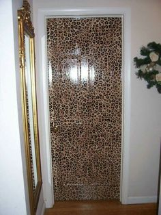 Hand painted leopard door for little girls bedroom. Give me ideal for my bedroom. Animal Print Decor, Animal Prints, Home Decor Furniture, Painted Furniture, Cheetah Print, Leopard Prints, Leopard Bedroom, Cheetah Animal, Leopard Fashion