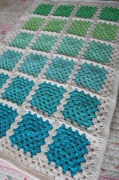 Crochet Granny Square Blankets Crochet Granny Square Baby Afghan Blanket - Aquaholic - Aquas and Greens on White: - Si estás aprendiendo a tejer a crochet, no te pierdas este tutorial. Crochet Afghans, Crochet Blanket Patterns, Baby Blanket Crochet, Easy Crochet, Crochet Stitches, Crochet Baby, Knit Crochet, Afghan Blanket, Crochet Blankets