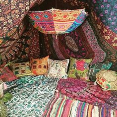 Hippie den