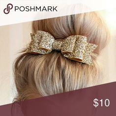 Gold bow Brand new Adorable Gold Bow. Accessories Hair Accessories
