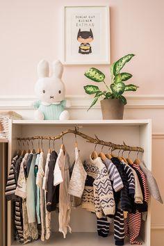Babyzimmer in Grau, Weiß und Blau
