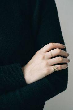 10本の指には意味がある。指輪をつける位置で、なりたい自分になれるかも | キナリノ