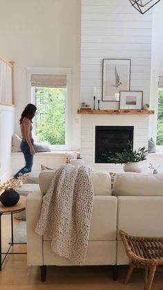 Fall Home Decor, Diy Home Decor, Living Room Decor, Living Rooms, Living Room Inspiration, Home Staging, Home Decor Styles, Home Accents, Cool Furniture