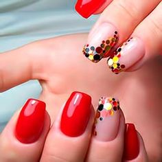 Nail art Christmas - the festive spirit on the nails. Over 70 creative ideas and tutorials - My Nails Red Nail Designs, Short Nail Designs, Nail Art Paillette, Confetti Nails, Short Nails Art, Nails 2018, Super Nails, Halloween Nails, Trendy Nails