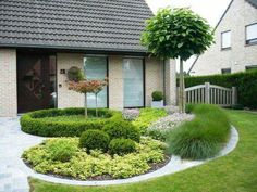 Front Garden Decor Ideas- Enhance Your Front Entrance With These ideas! – Page 1465908450 – Gardening Decor Front Garden Landscape, Lawn And Garden, Landscape Design, Garden Design, Small Yard Landscaping, Modern Landscaping, Jardines Del Patio Frontal, Ideas Para El Patio Frontal, Front Gardens