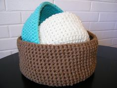Crochet Nesting Baskets I have a bunch of flat single bed sheets that were used as curtains. I think I can turn them into these for gift baskets.