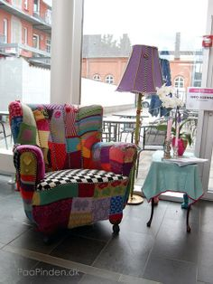 I just want one chair like this :)  Grib Garnet - Strikket lænestol