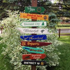 9 Pack Wooden Directional Sign - Choose any 9 signs listed in our shop by CurioObscurio on Etsy Hogwarts, Diy Signs, Wood Signs, Wood Crafts, Diy And Crafts, Directional Signs, Beach Signs, Lake Signs, Garden Signs