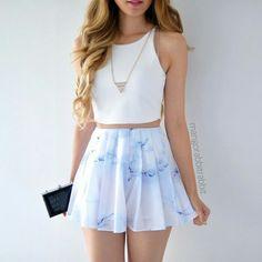 Las etiquetas más populares para esta imagen incluyen: fashion, outfit, style, skirt y white